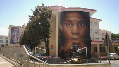 Jorit, un nuovo murale a Diamante: dedicato a Basquiat