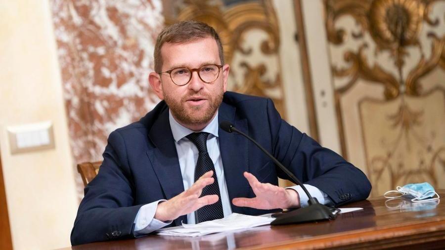 """Giuseppe Provenzano: """"M5S, più chiarezza sulle alleanze. Subito il via alla  legge elettorale"""" - La Stampa"""