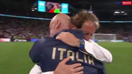 Europei: Mancini e Vialli si abbracciano in lacrime