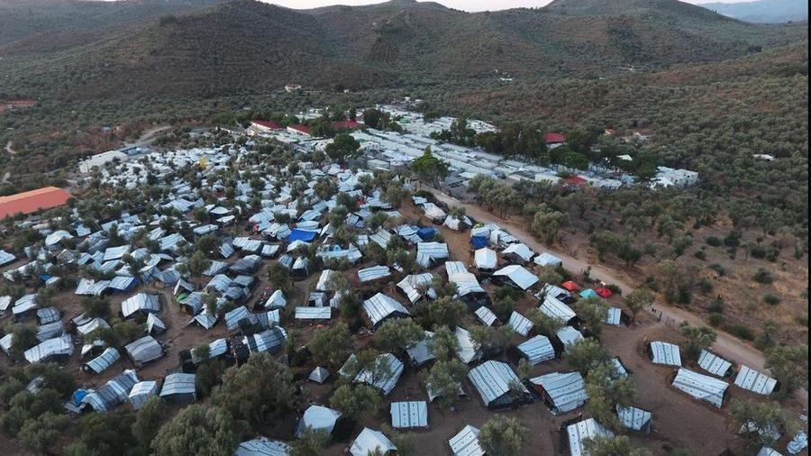 Il campo profughi di Moria,sull'isola di Lesbo - fotoGiorgos Moutafis