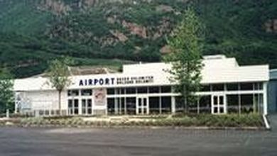 Bolzano, l'aeroporto resta vuoto