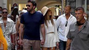 Vacanze italiane per Jennifer Lopez e Ben Affleck: a spasso per Capri mano nella mano
