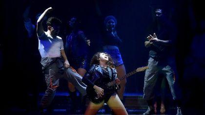Parma, la carica di Flashdance scalda il teatro Regio
