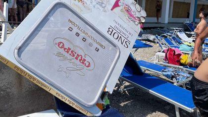 Incidente a Capri, lo sportello del bus finito sul lettino