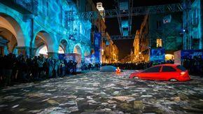 Vie e piazze di Cuneo, Mondovì, Bra e Alba trasformate in una scenografia di luci
