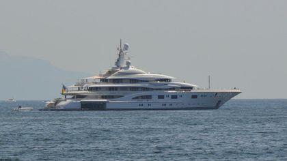 Jennifer Lopez e Ben Affleck: lo yacht fa tappa a Napoli