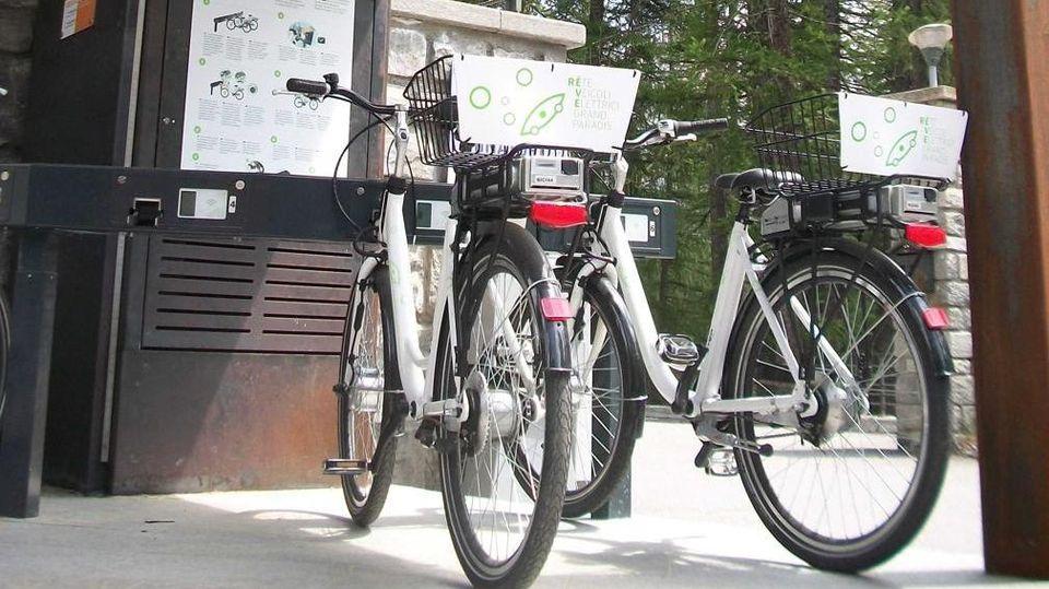 A Cuneo Bike Sharing Con 300 Bici Classiche E A Pedalata Assistita