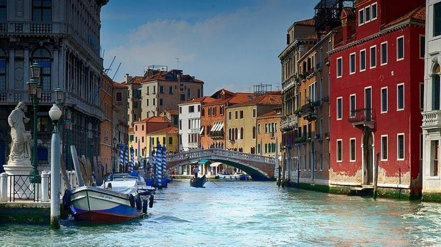In Italia le città d'arte sono vuote: mancano 34 milioni di turisti stranieri