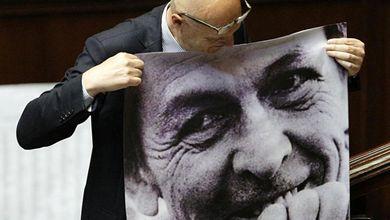 Quando Enrico Berlinguer sorrideva alla Camera: il racconto di un grande cronista<br />