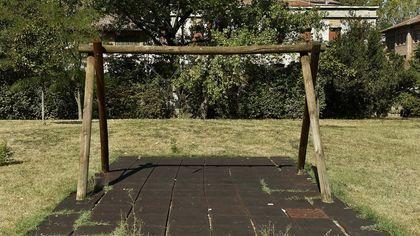 Nel parco delle Magnolie cresce solo il degrado - foto