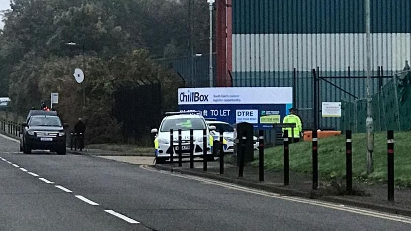 Regno Unito: trovati 39 cadaveri in un container su un camion, arrestato l'autista – La Stampa
