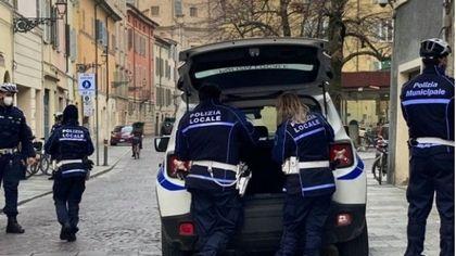 Controlli anti-Covid e movida, pugno di ferro della municipale: multe e chiusure a Parma