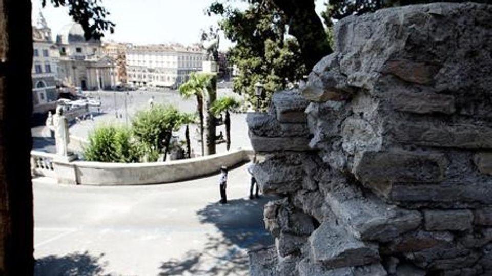 Crolla Un Muro Al Pincio La Terrazza Fragile Di Roma La